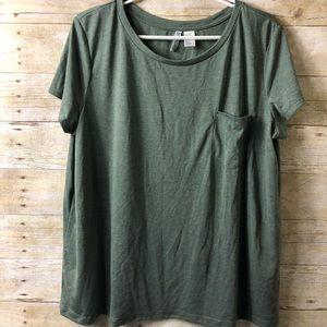 HM Divided Olive Green t-shirt Short Sleeve Pocket